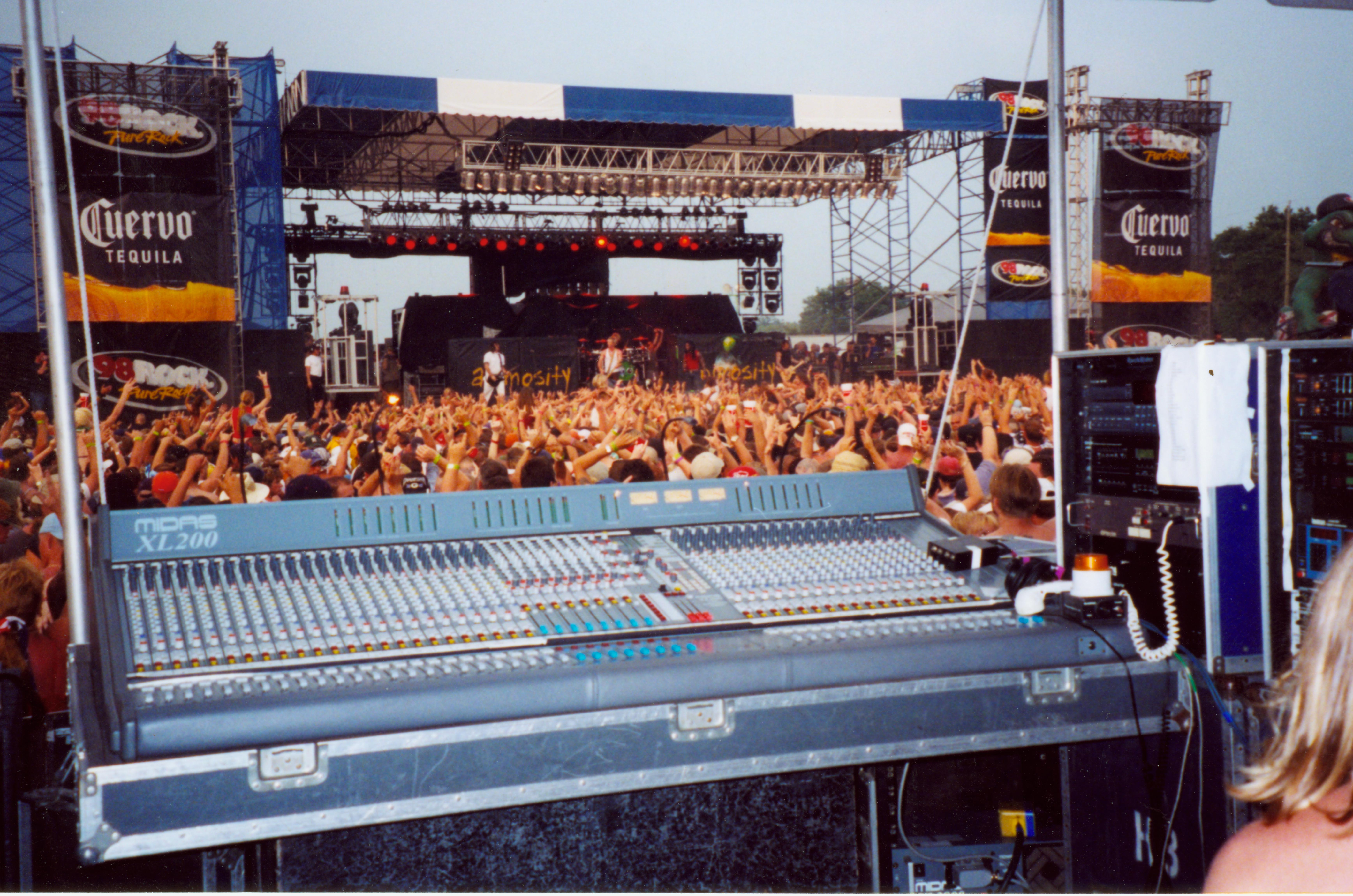 live_stock_foh_console